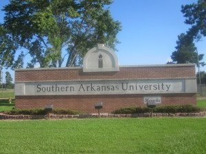 Southern_Arkansas_University_sign_IMG_2278